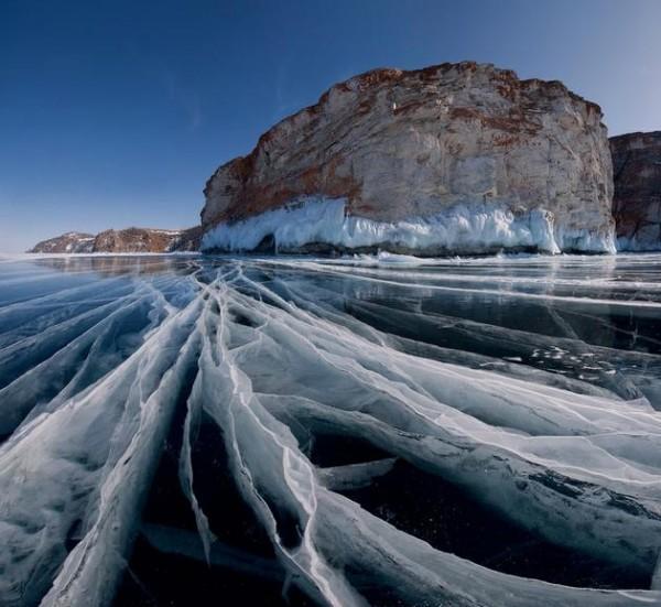 Lake-Baikal-Siberia-Russia-1-600x551